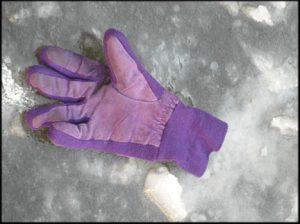 Van wie zou die handschoen zijn?
