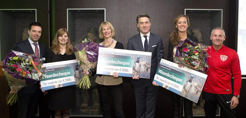 De Schoolschrijver samen met Jong Ondernemen en het Rotterdams Philharmonisch Orkest, organisaties die ook waren genomineerd.